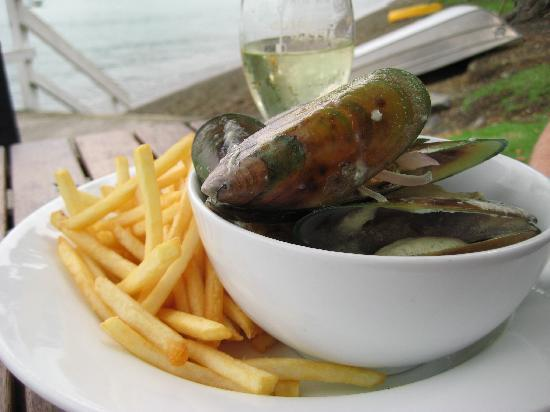 The Wharf - Restaurant & Bar : Kamakura Mussels with Chips