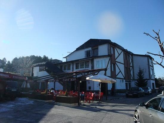 Los Jamones Restaurant: exterior 2