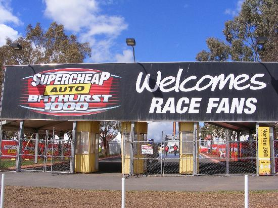 Bathurst, Australia: Welcome Race Fans