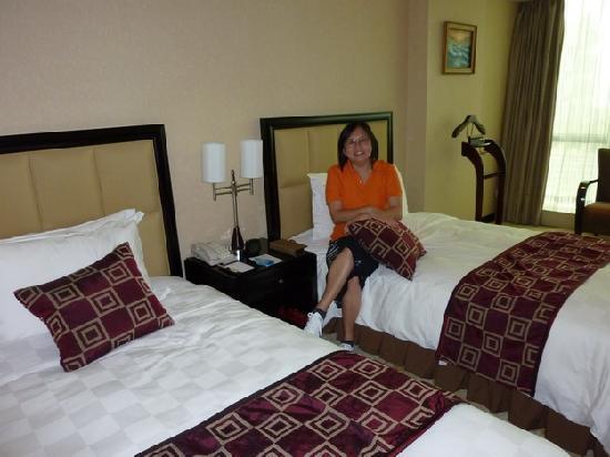 Grand Mercure Shenzhen Oriental Ginza: CLEAN BED