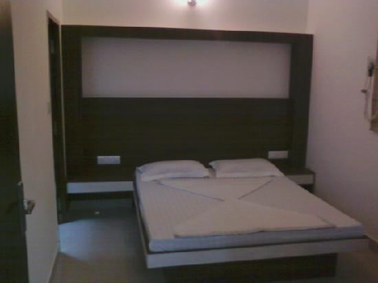 Rajdhani Hotel: spacius and ventilated siutes