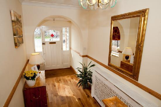 Rosa's Bed and Breakfast: Hall (image view 2)