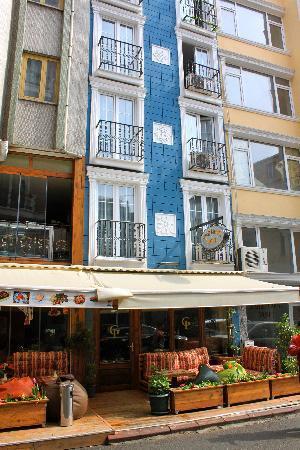 Galata Istanbul Hotel: facciata-ingresso