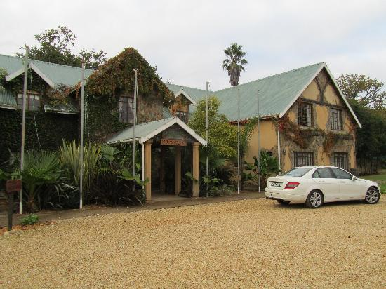 Portland Manor - Historical Country Estate: Portlland Manor - Lawnwood Lodge