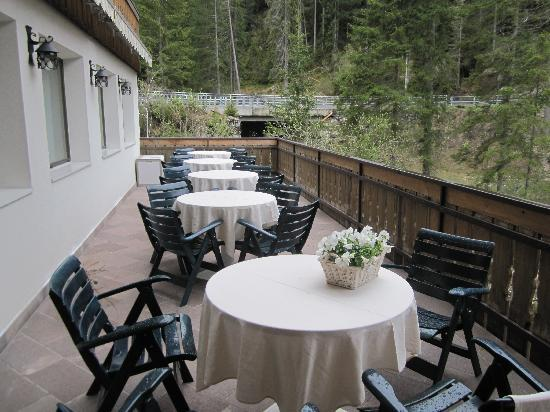 Hotel Adler Carezza: Breakfast area