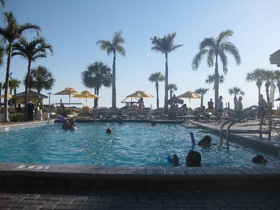Sirata Beach Resort: Pool near Harry's Bar
