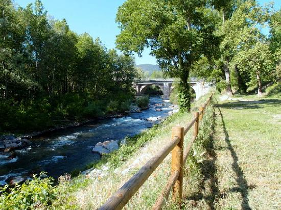 Villa Lafabregue: the river in Prades close to the house