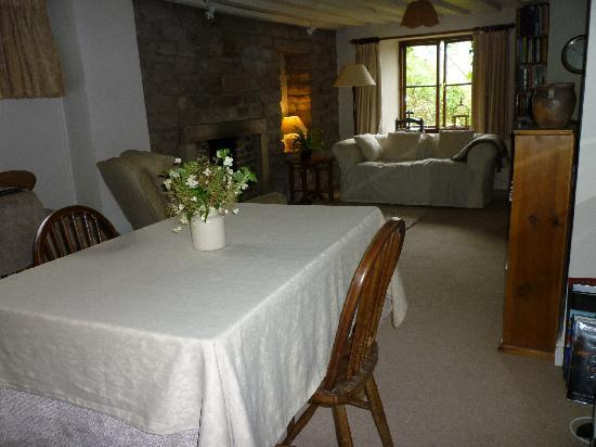 Poppy Cottage: Lounge
