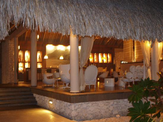 InterContinental Thalasso-Spa Bora Bora: Le bar