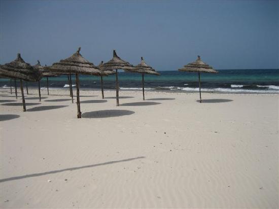 Ramada Liberty Resort Hotel : la plage...