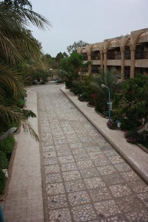 Hor Palace: main walkway from entrance