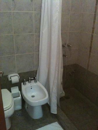 Hostel Salta Por Siempre: bathroom