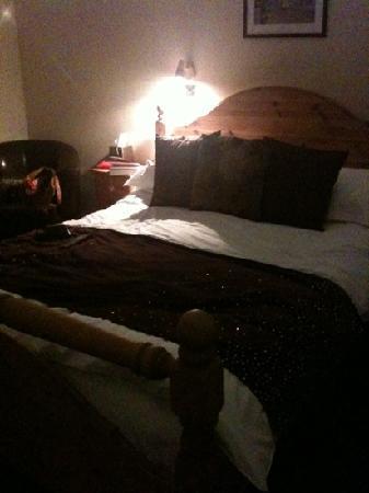 The Coldstreamer Inn: our room
