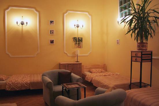 Downtown Oasis: Bedroom