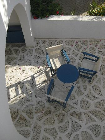 Veggera Hotel: Patio 2