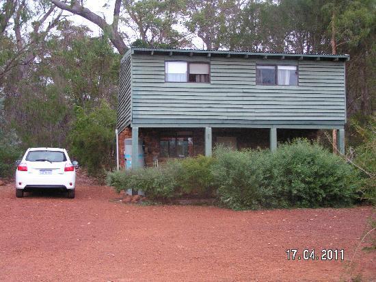 Margaret River Stone Cottages: exterior of our cottage