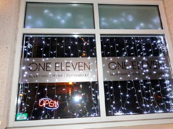 One Eleven Martini Bar: ONE ELEVEN