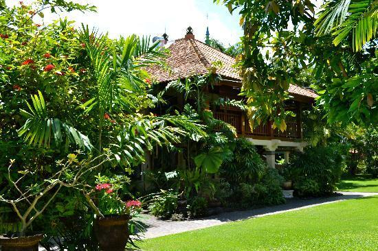 Raja Gardens Hotel : Les chambres