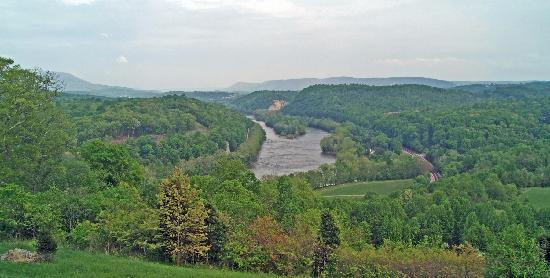 Inn at Riverbend: New River from deck
