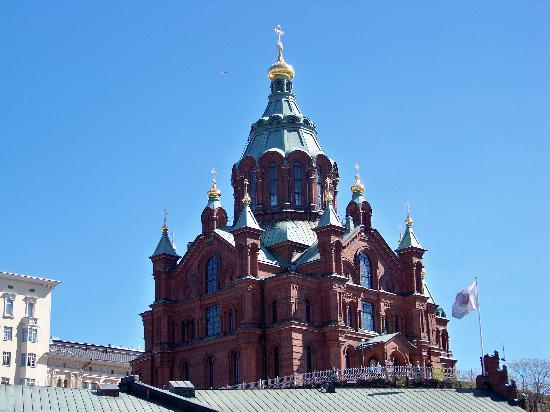 Helsinki, Finlandia: Uspenki Church from Ground Level