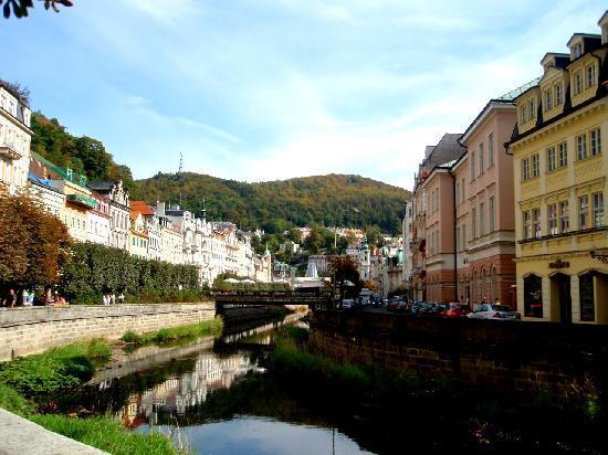 Garni Hotel/Pension Fan: The main river