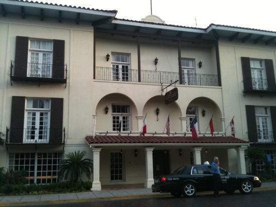 Courtyard Laredo: la posada