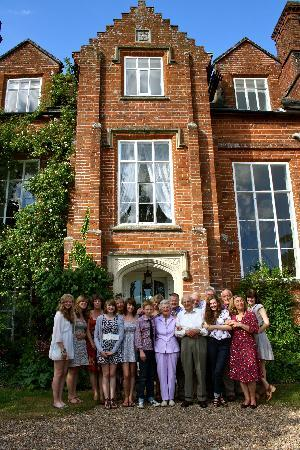 Gissing Hall Hotel: Family Picture outside the Hotel