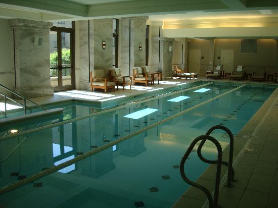 ماندارين أورينتال أتلانتا: Hotel pool
