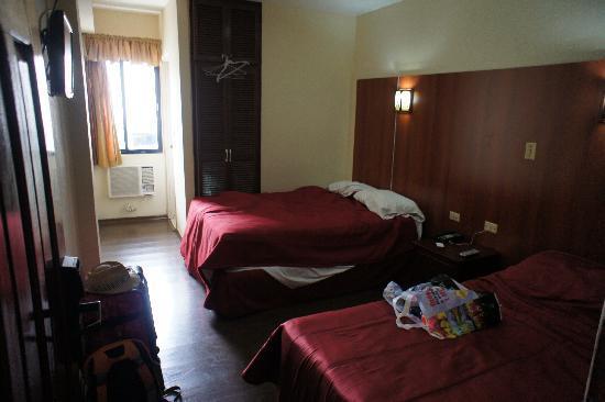 Hotel Costa Inn: Bed room