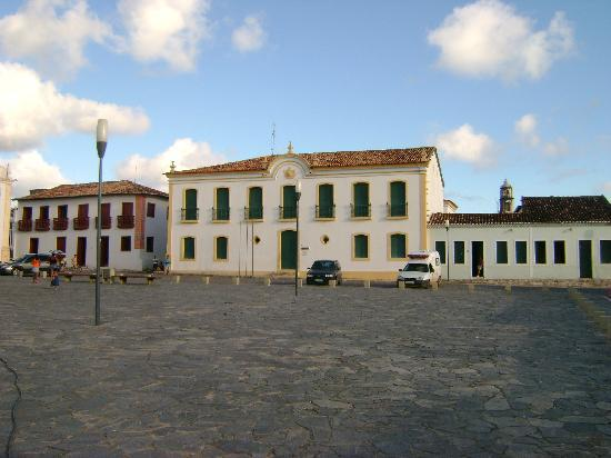 São Cristóvão, SE: Buildings on the opposite side