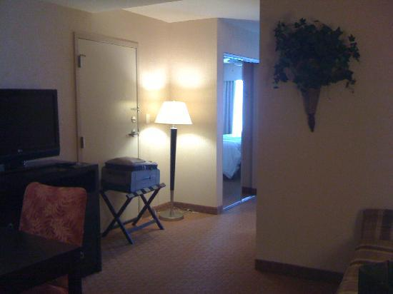 Homewood Suites Silver Spring: Front sitting area