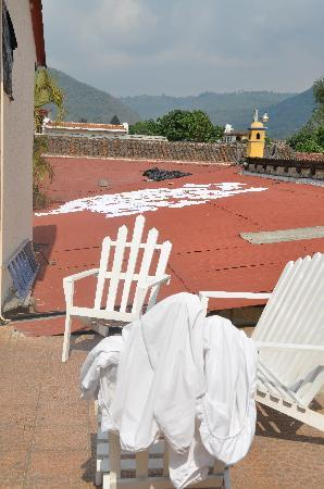 Posada Los Bucaros: Laundry out to dry on hotel roof
