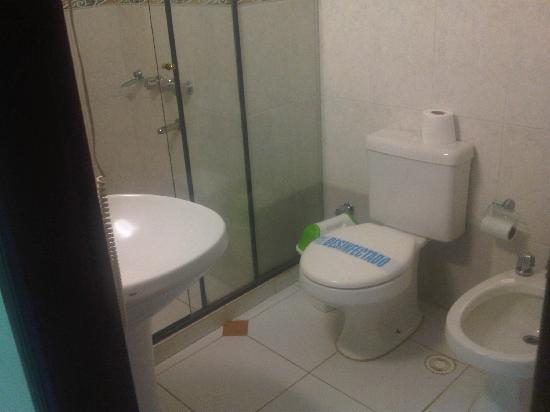 Arthur Hotel: Badezimmer