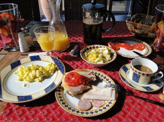 Shannas Cove Resort: Breakfast Time