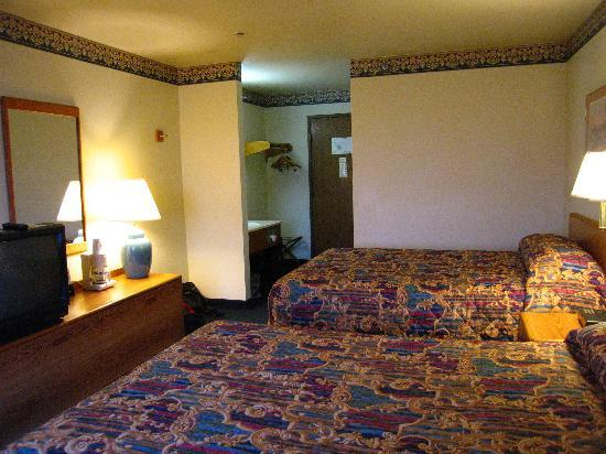 Super 8 Delavan: Typical Double room