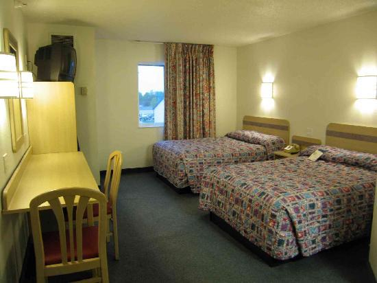 Motel 6 Springfield: Nice double room on third floor