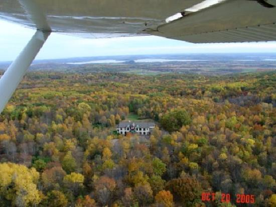 Inn at Wawanissee Point: SOUTHERN FALL AERIAL