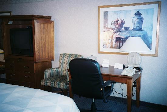 Radisson Hotel Philadelphia Northeast: Desk
