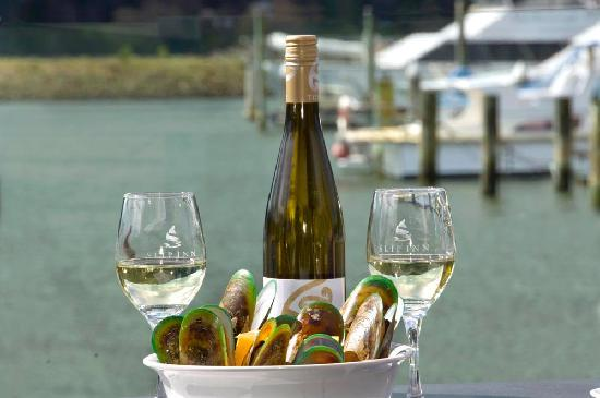 Marlborough Region, Selandia Baru: Greenshell Mussels and Marlborough Sauvignon Blanc