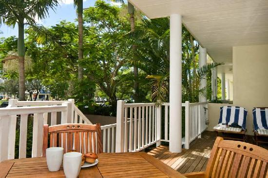 Sandy Beach Resort Noosa : Casual Luxury - Excellent Value