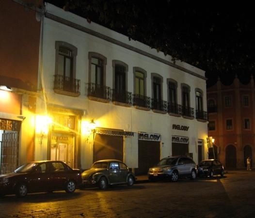 Hotel Plaza: Fachada del hotel