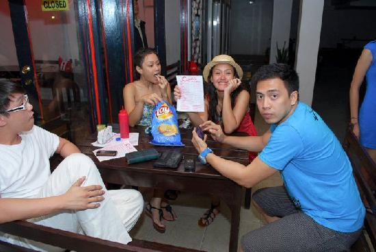 Legaspi Suites: At Calda Pizza, in the same compound