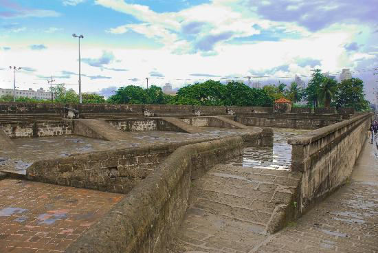Intramuros: To the Walls!