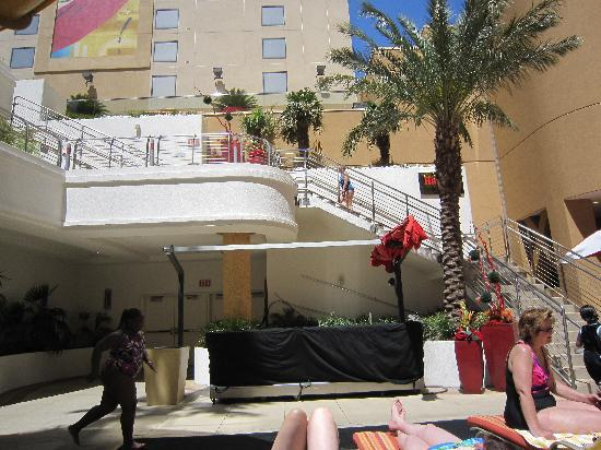 Golden Nugget Hotel: stairs to waterslide & private pool