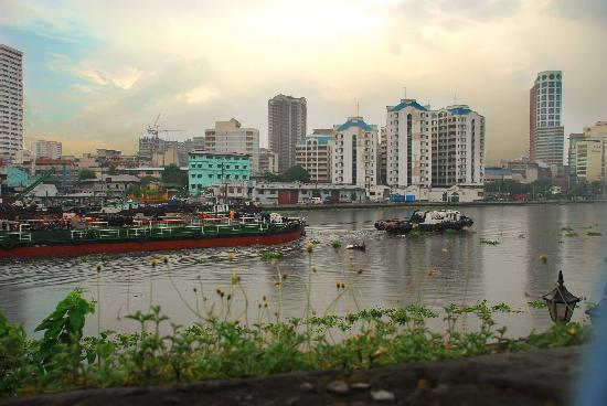 the pasig river The pasig river was once declared biologically dead during the early '90 it was through a century of unregulated urbanization and industrialization that the.