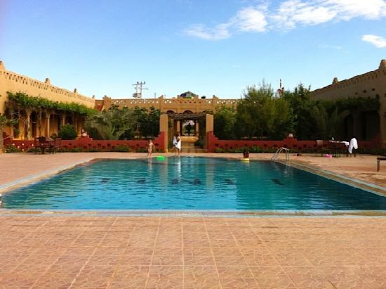 Auberge Tinit: The swimming pool