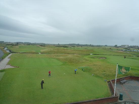 Carnoustie Golf Course Hotel: Aussicht auf ersten Abschlag