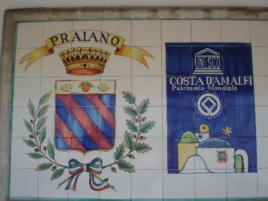ปราอิอาโน, อิตาลี: le maioliche di Praiano