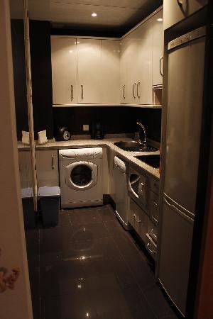 Apartamentos La Casa del Conde de Gelves : Kitchen