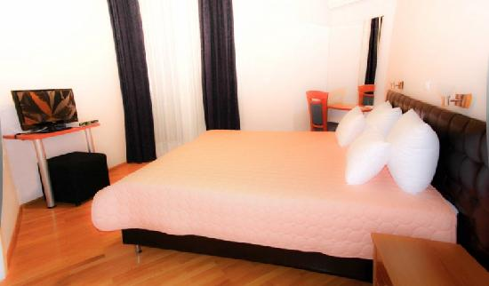 Hotel Orange Inn: double room